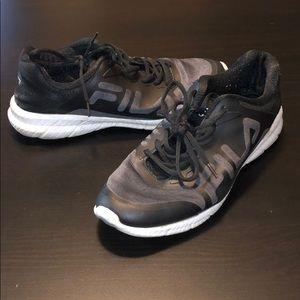 Black & Gray Fila Athletic Sneakers, Size 11